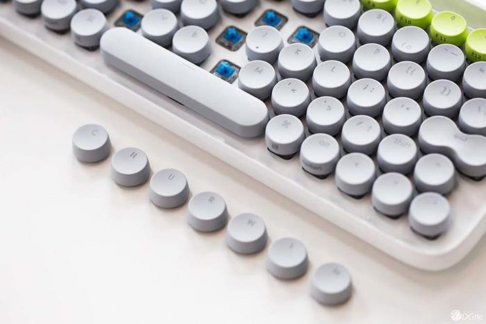 hipster-retro-typewriter-keyboard-lofree-v25