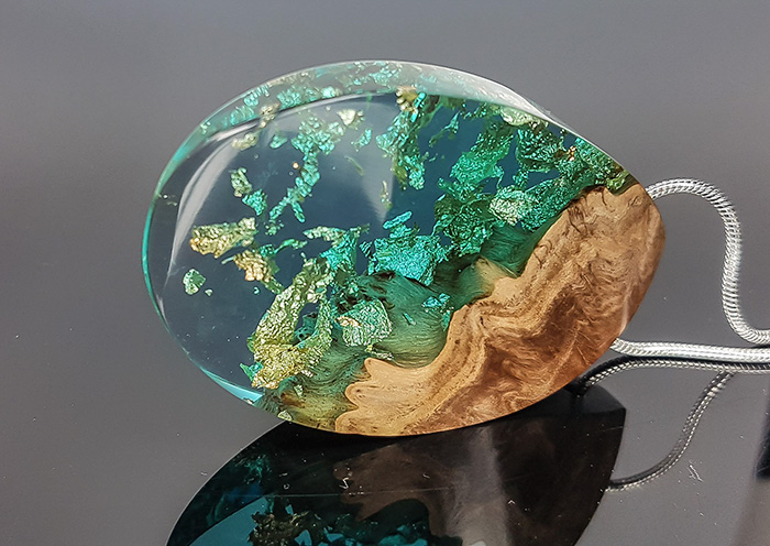I Make Pendants That Allow You To Carry A Bit Of Nature's Beauty With You