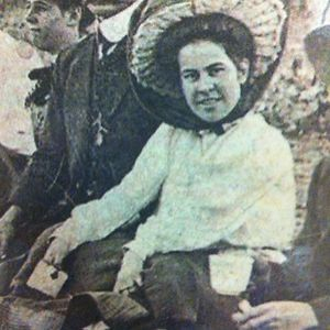 My Great Nana Simm , As A Teenager , Florrie Samuels, With The Gorgeous Hat.late 1890's