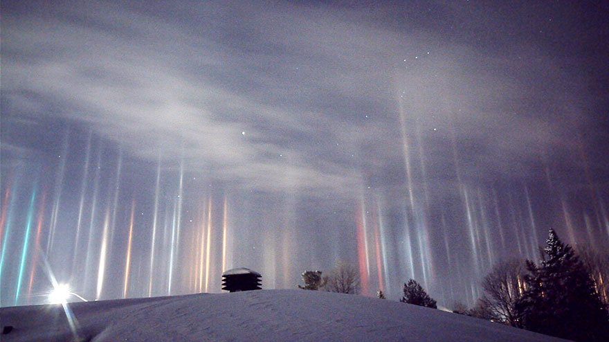 light-pillars-night-sky-ontario-timothy-joseph-elzinga-15