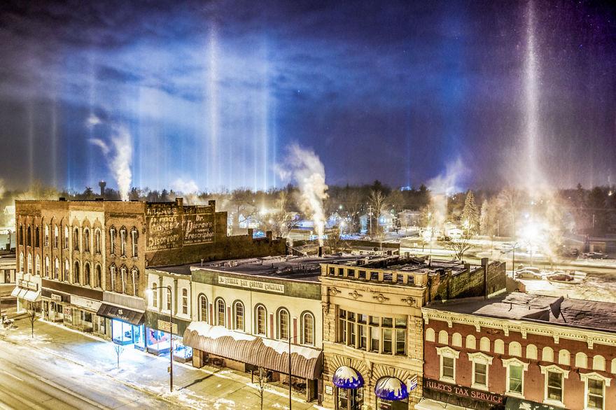 Light Pillars In Charlotte, Michigan