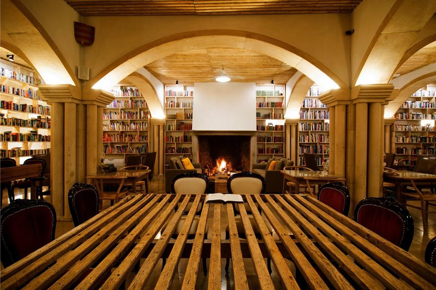 Dream of Every Bibliophile: Hotel With 45,000 Books