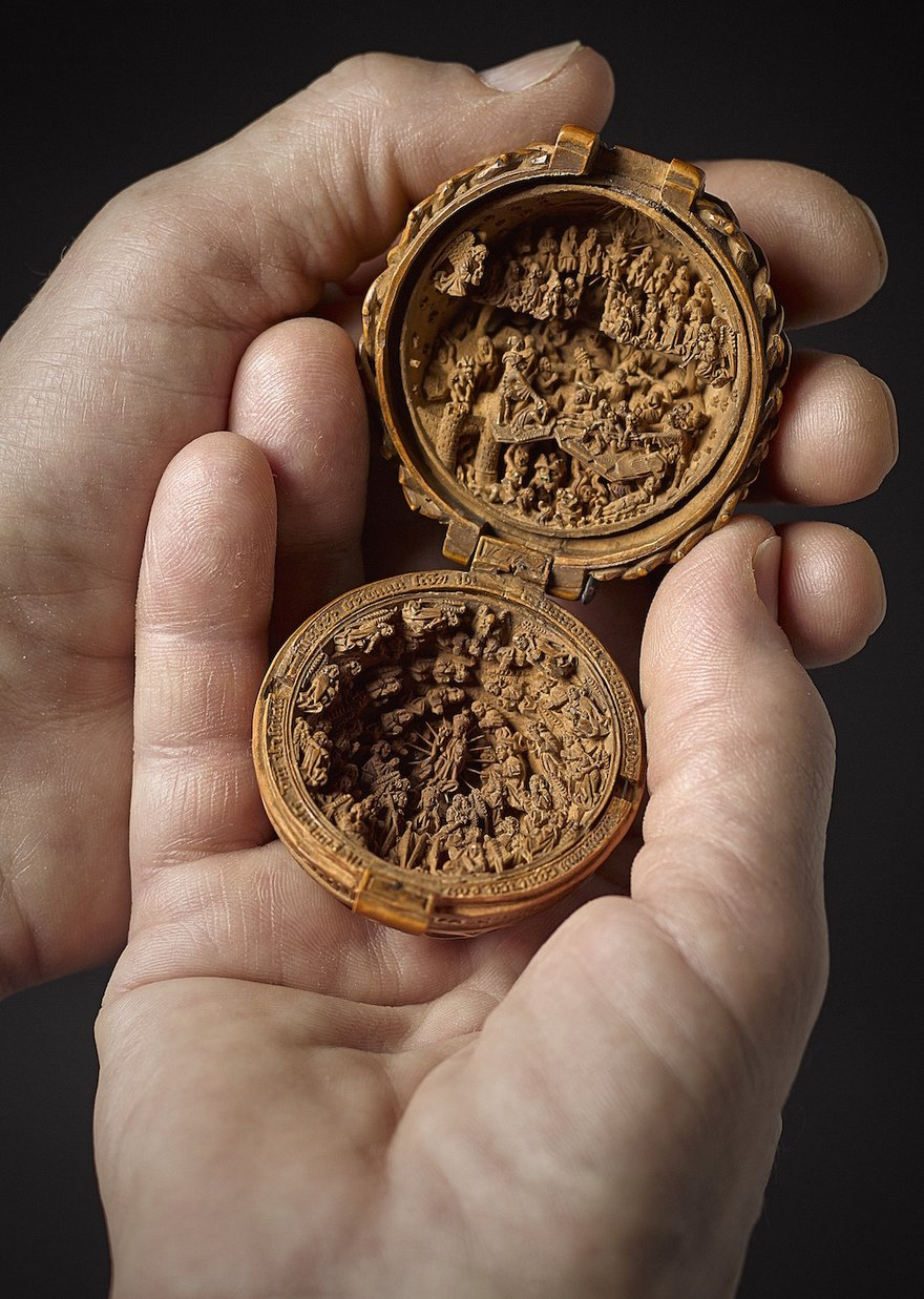 miniature-boxwood-carvings-16th-century-9