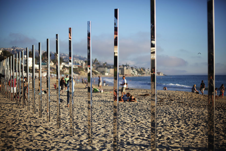 mirror-installation-quarter-mile-arc-phillip-k-smith-III-laguna-beach-7