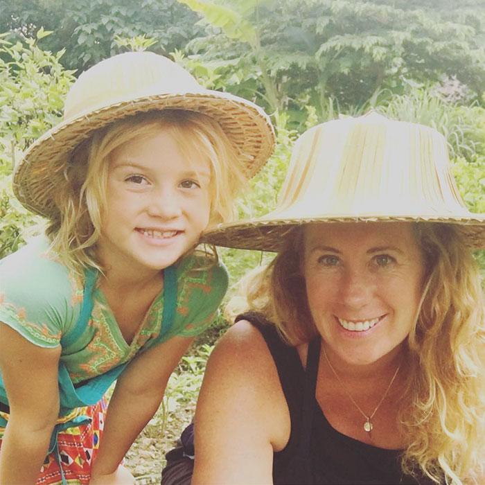 mother-daughter-travel-world-evie-farrell-4