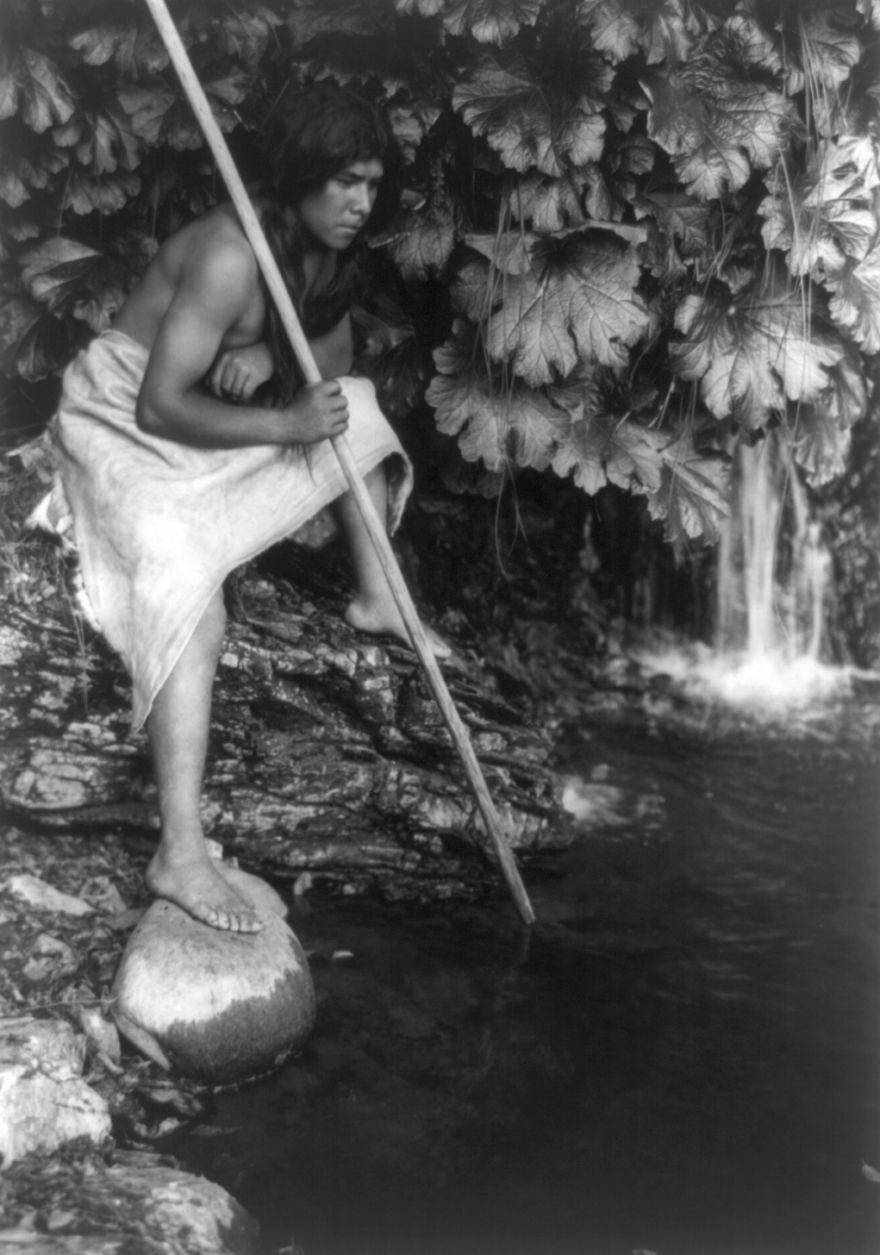 Spearing Salmon, 1923