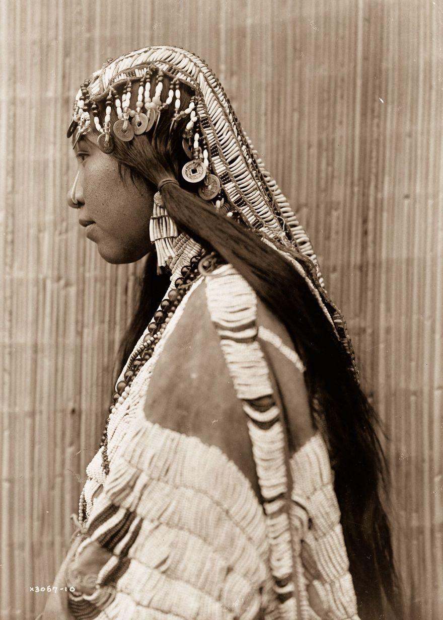 A Wishran Girl, 1910