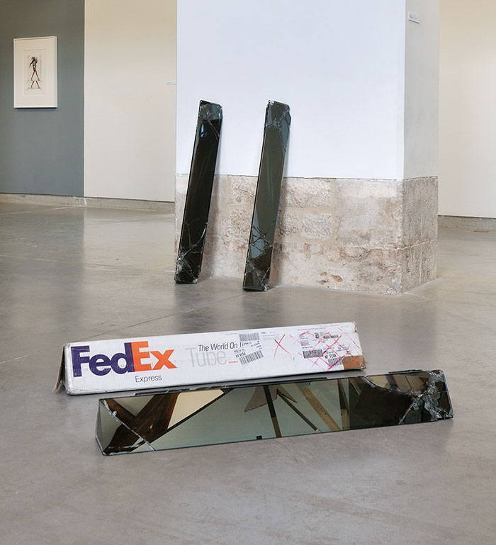 shattered-glass-sculptures-fedex-boxes-walead-beshty-5