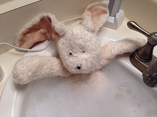I'm A Single Dad. Daughter Asked Me To Give Her Stuffed Bunny A Bath. She's At Her Mom's So I Sent Her This
