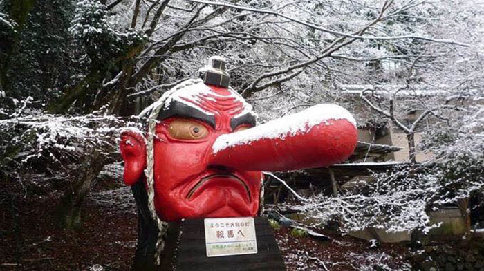 snow-broken-nose-fix-tengu-kyoto-japan-3