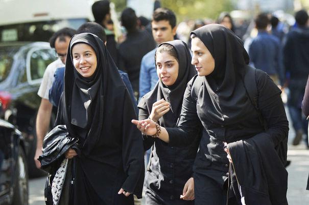23-hijab-women-iranw710h4732x-5892d614a61fd.jpg