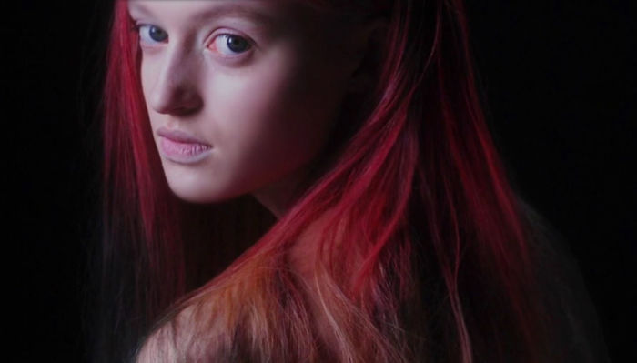 The World's First Colour-Changing Hair Dye That Reacts To Your Surroundings