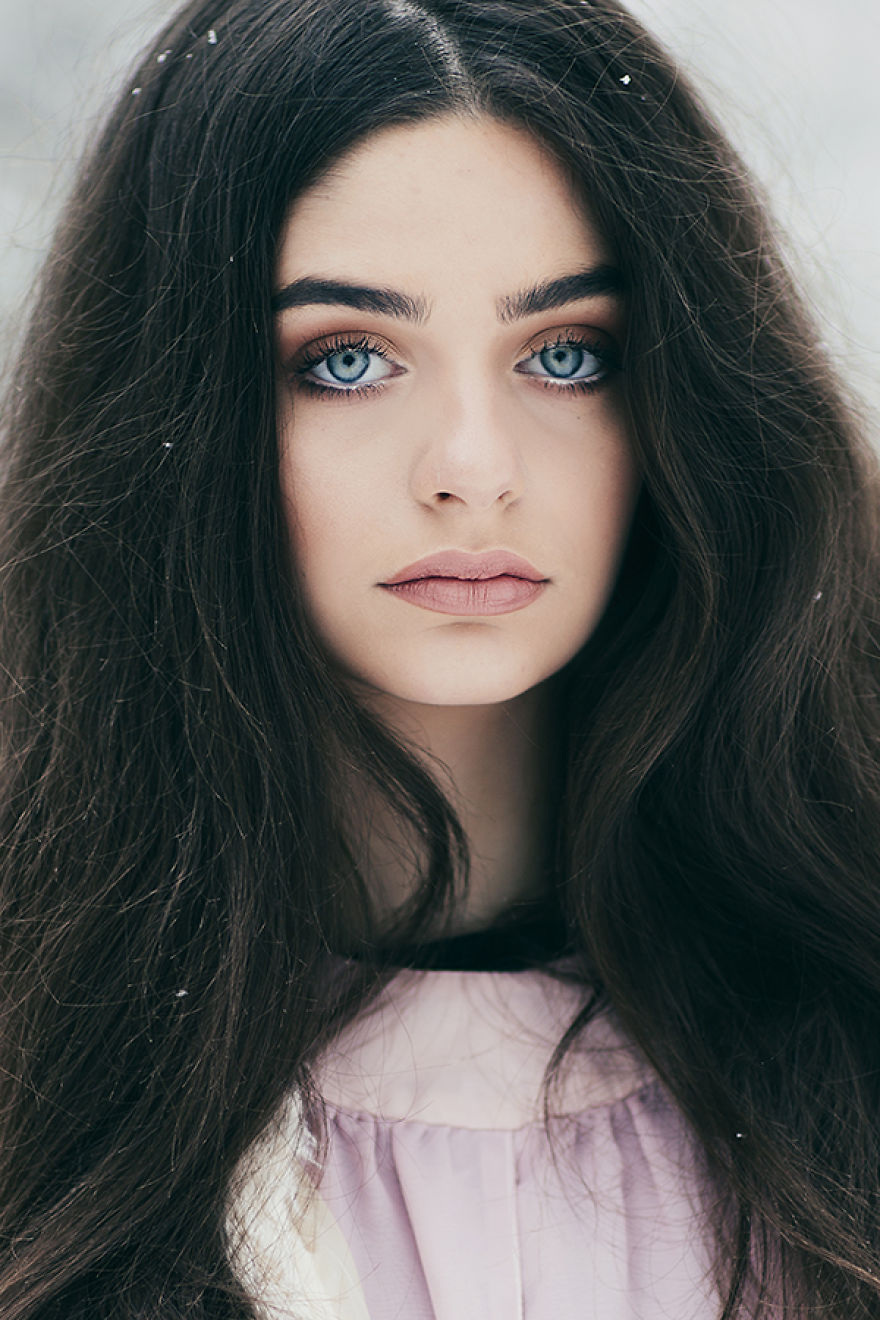 I Create These Dreamy Portraits Inspired By Blue Eyes