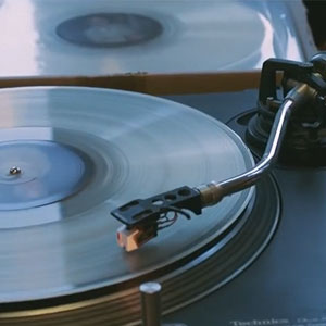 Company Turns Your Loved Ones' Ashes Into Vinyl That Plays Their Voices After Their Death