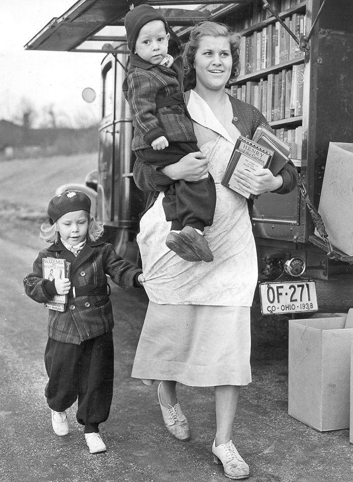 The Bookmobile In Columbia Park, C. 1940