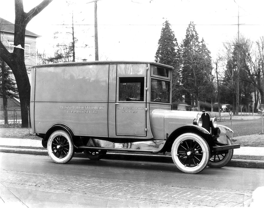 Bookmobile, About 1925