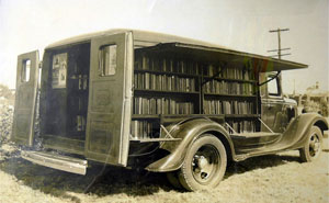 Before Amazon, We Had Bookmobiles: 15+ Rare Photos Of Libraries-On-Wheels
