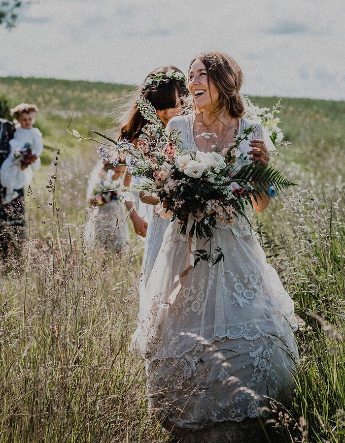 bride-reunited-missing-antique-dress-14