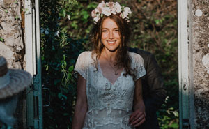 147 Y/O Wedding Dress Made By Bride's Great-Great-Grandmother Gets Lost By Dry Cleaners, Internet Finds It