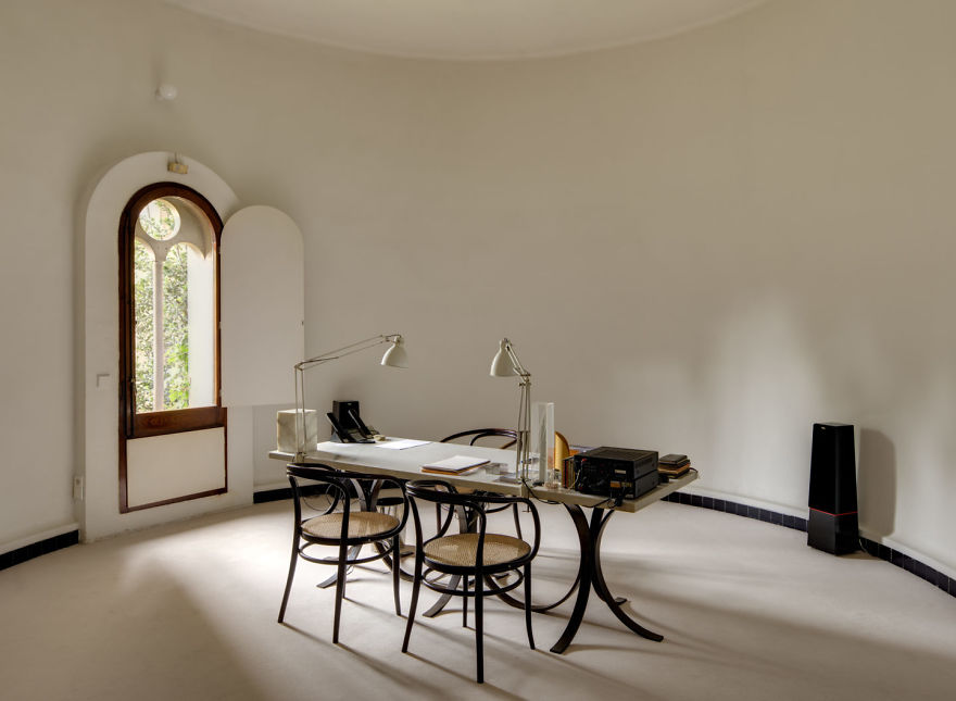 Architect Turns Old Cement Factory Into His Home, And The Interior ...