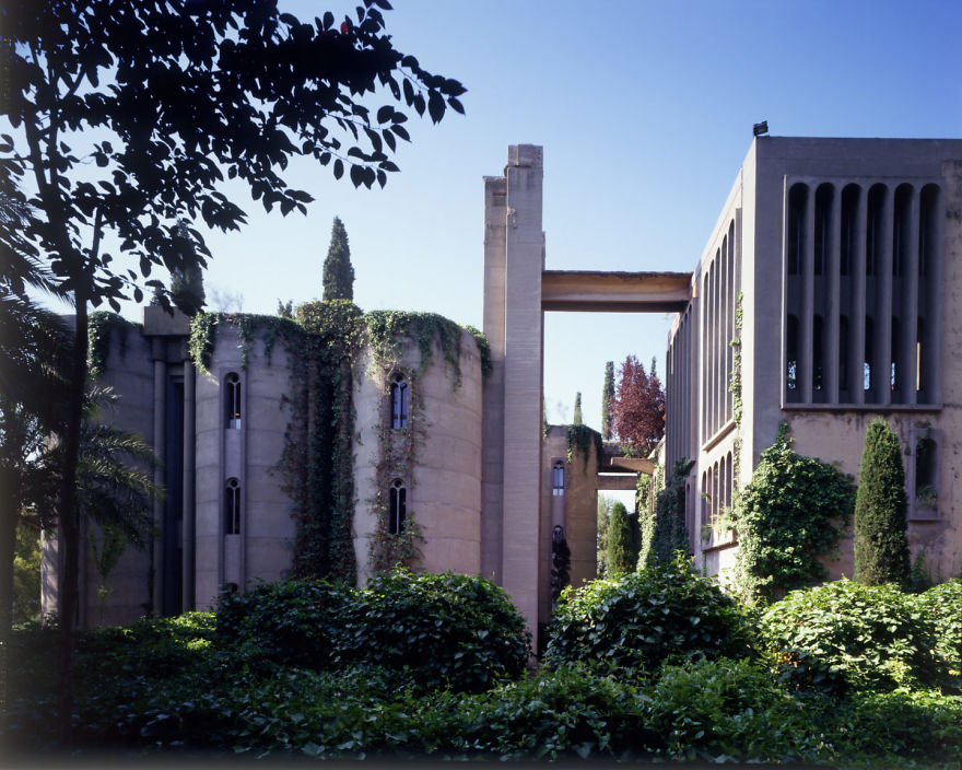 Architect turns old cement factory into his home and the interior will take your breath away - Old cement factory turned home ...