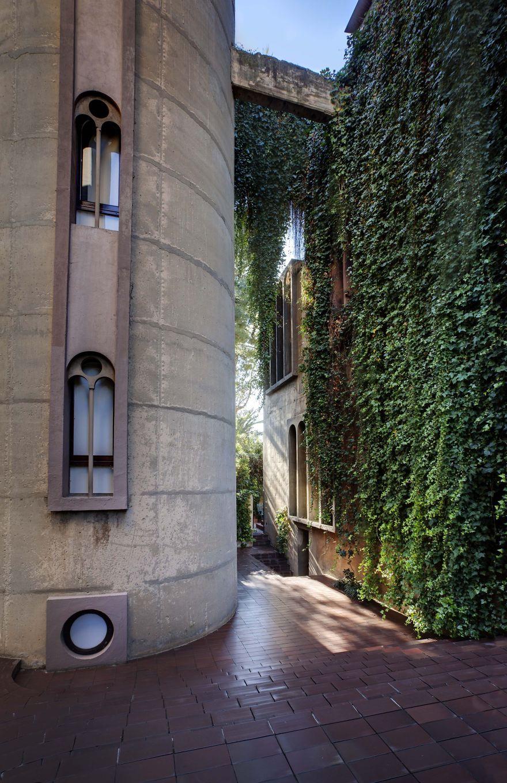 Как превратить цементный завод в роскошный особняк   cement factory renovation la fabrica ricardo bofill 9 58b3e2113cf0b  880