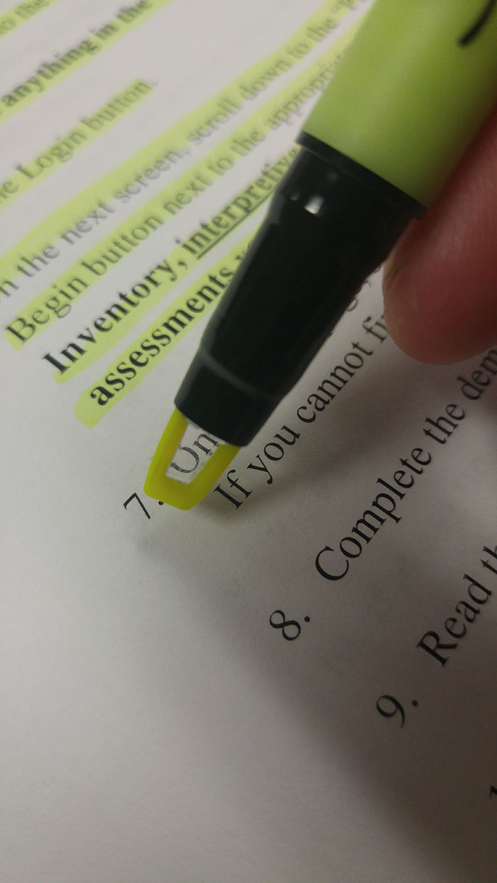 This Highlighter Has A Clear Part To Show You What You're Highlighting