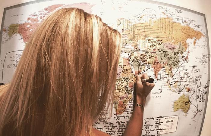 first-woman-visit-all-countries-cassandra-de-pecol-part2-10