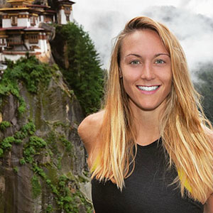 27-Year-Old Woman Becomes The First Female Ever To Visit Every Country On Earth, Here's How She Did It