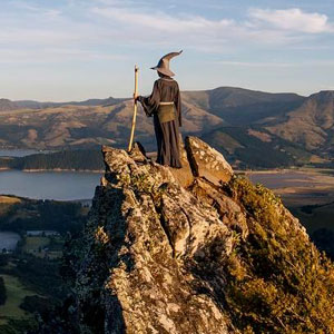 Photographer Travels Across New Zealand With Gandalf Costume, And His Photos Are Epic