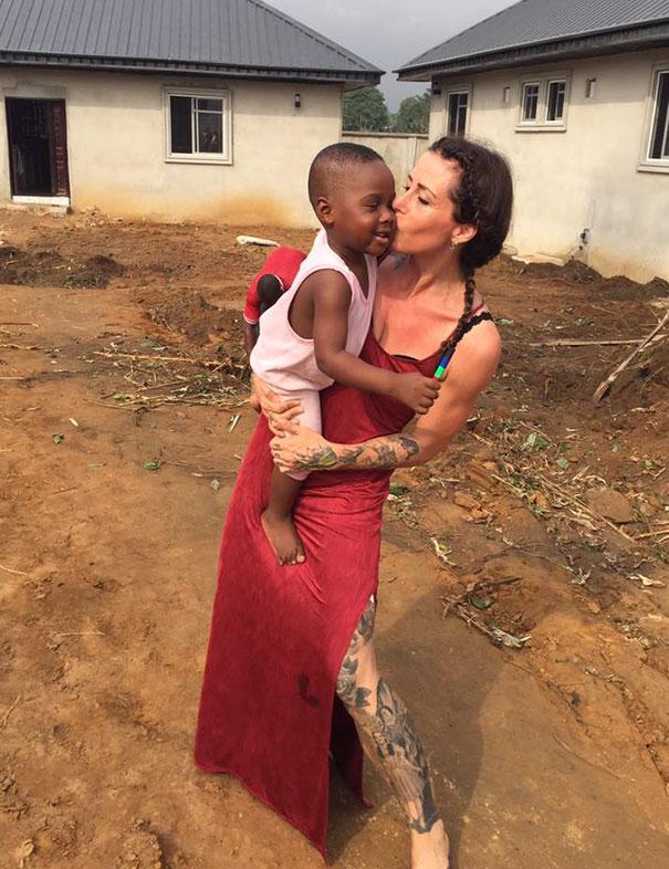 nigerian-starving-thirsty-boy-first-day-school-anja-ringgren-loven-10