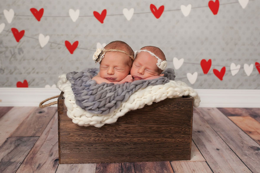 set-of-twins-sibling-photoshoot-11