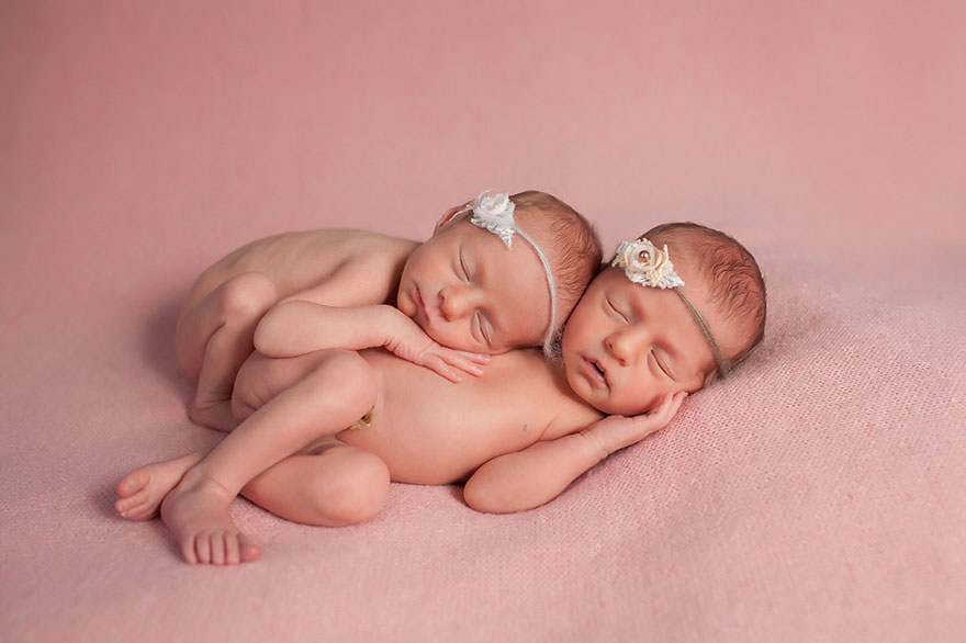 set-of-twins-sibling-photoshoot-12