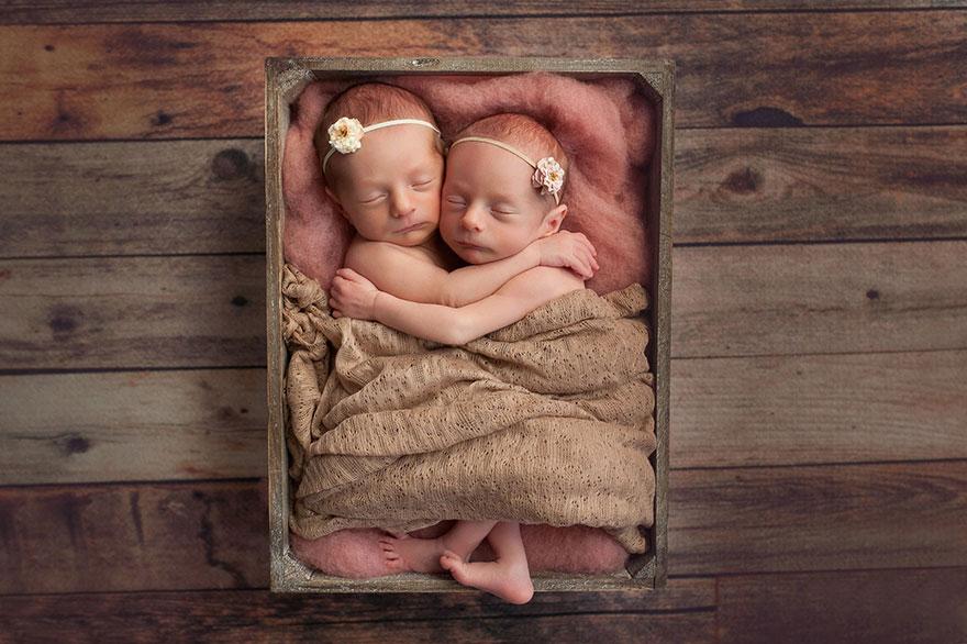 set-of-twins-sibling-photoshoot-15