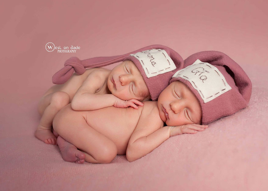 set-of-twins-sibling-photoshoot-5