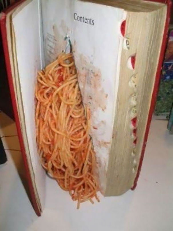 Use This Trick To Make Teacher Think You Are Studying While You're Eating Spaghetti