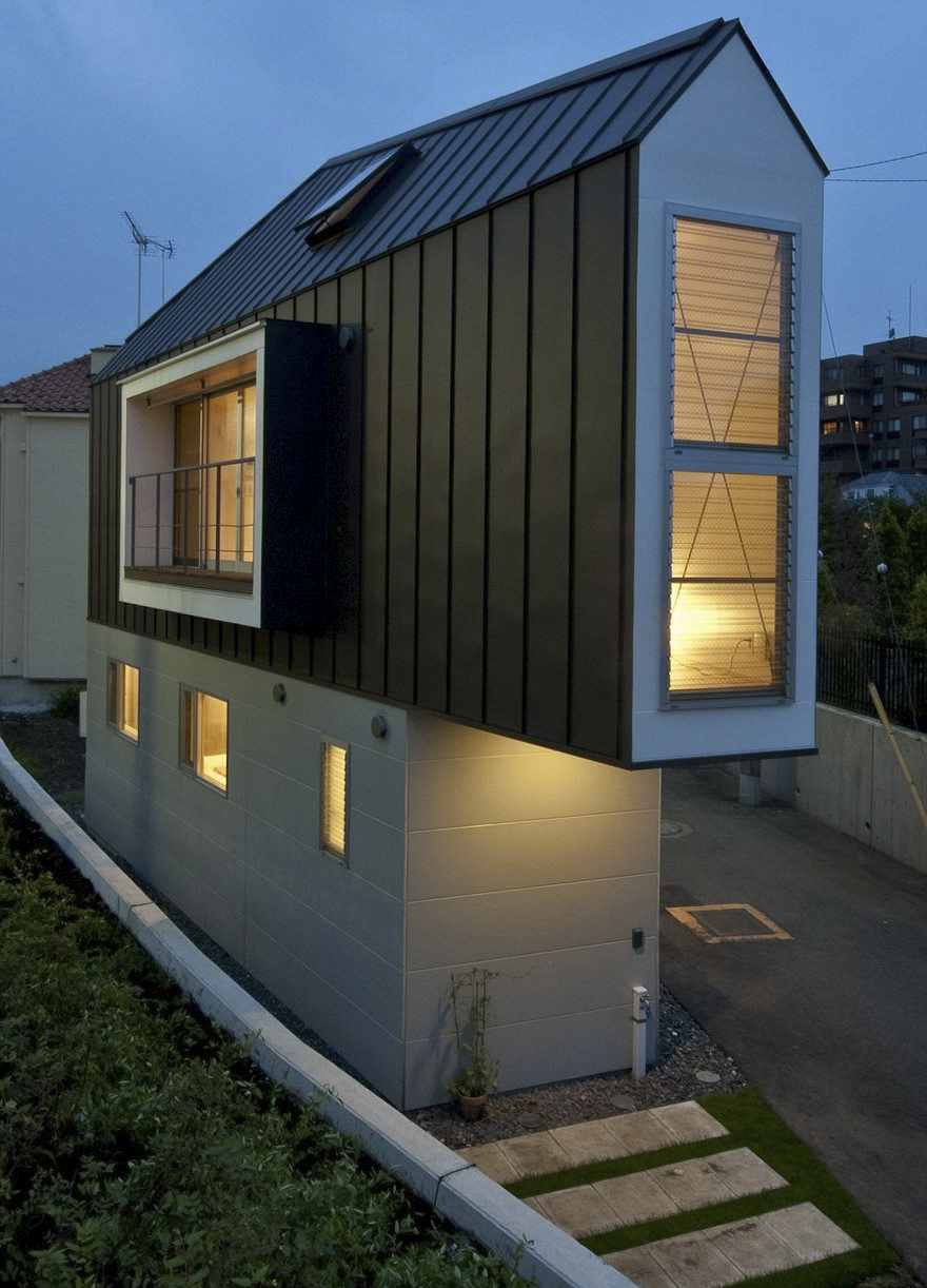 This narrow house in japan only looks tiny until you look for Tiny home architects
