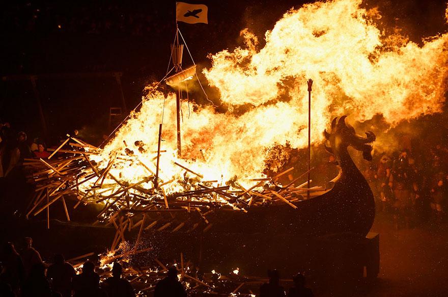 vikings-up-helly-aa-festival-shetland-scotland-17
