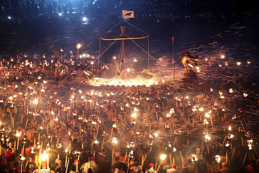 vikings-up-helly-aa-festival-shetland-scotland-5