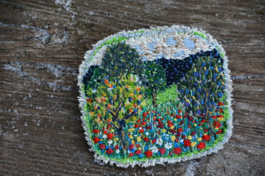 I Found Amazing Thread Painted Animals On Brooches By Russian Artist