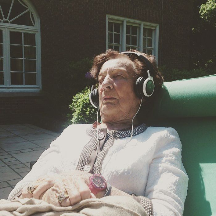 I Recently Moved To Colorado, My Grandmother Smoked Pot Legally For The First Time. She Has Been Listening To A Dubstep Frank Sinatra Song On Repeat For An Hour And A Half