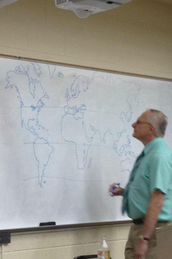 No había mapa y el profesor dibujó uno a mano