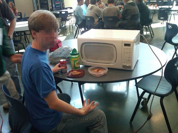 My Friend Brought His Microwave To School To Avoid Waiting In Line For One At Lunch