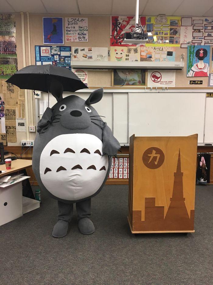 Mi profesor de japonés triunfa cada Halloween
