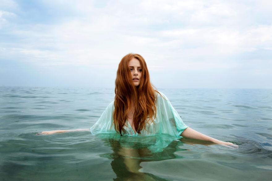 Алиша Из Одессы, Украины В Черном Море