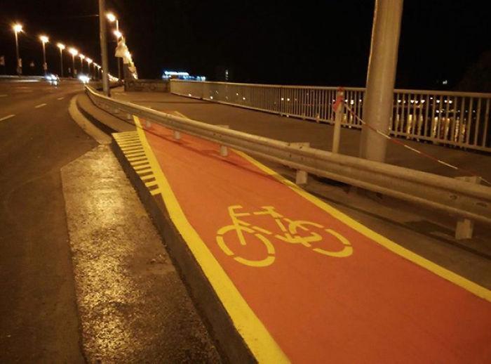Todo el mundo sabe saltar en bici, ¿no?