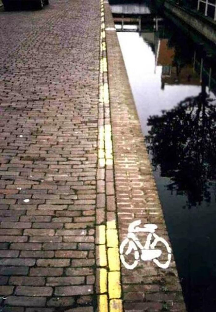 Seguro que ninguna bici acaba en el agua