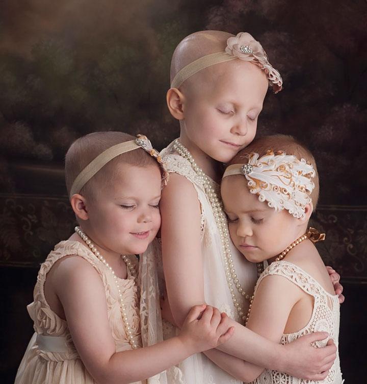 3 Años después, estas supervivientes del cáncer recrearon su foto viral, y la diferencia es enorme