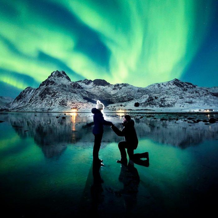 Este fotógrafo le pidió matrimonio a su novia bajo la Aurora Boreal y las fotos son impresionantes