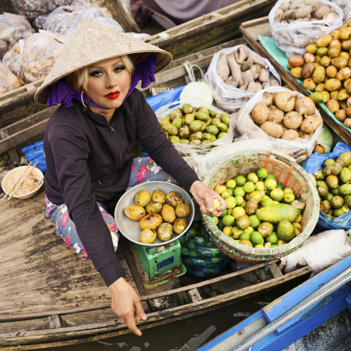 Pop Stars Moved To Vietnam Selling Street Food